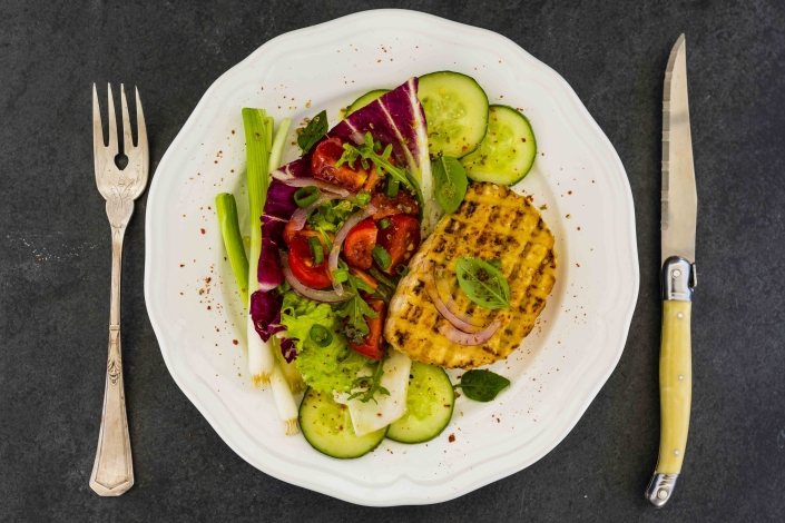 Curried tofu and salad