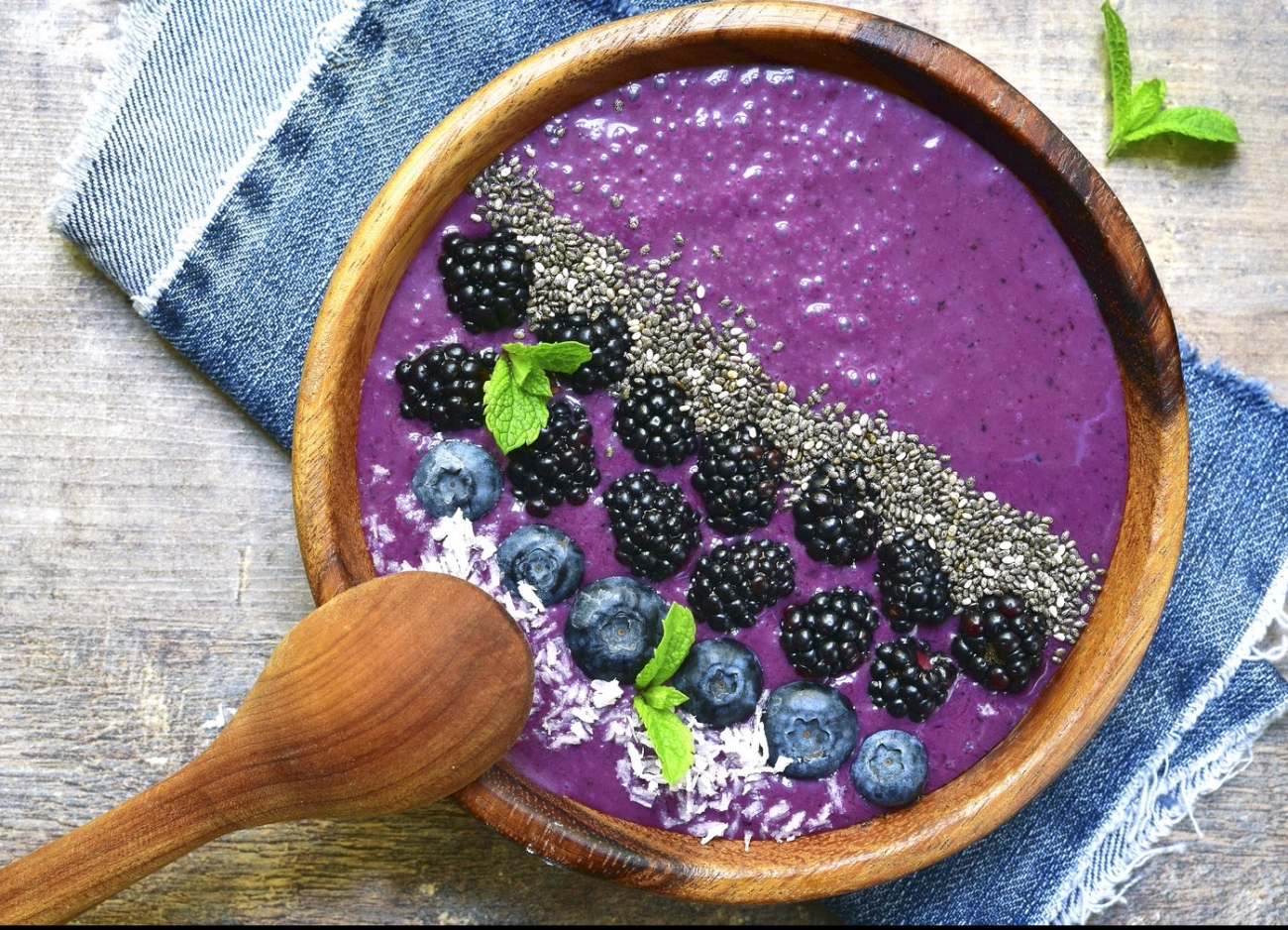 Cleansing Detox Smoothie Bowl Recipe